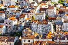 Texture di case nel piccolo borgo croato sull'isola di Hvar.