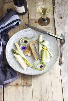 Garfish with White fresh asparagus and siphon hollandaise sauce.