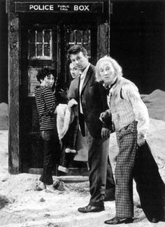 Escape in the TARDIS - An Unearthly Child