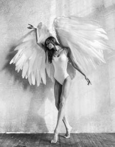 Daenerys Targaryen, Game Of Thrones Characters, Angel Wings, Angels, Fictional Characters, Art, Art Background, Angel, Kunst
