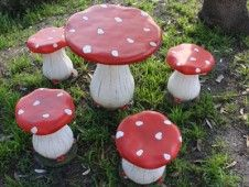 How to Make Toadstool Table and Chairs | Pinterest | Gardens Fairy and Mushrooms & How to Make Toadstool Table and Chairs | Pinterest | Gardens Fairy ...