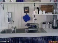 White and cobalt kitchens are everywhere now that I want to do that with ours. Art Nouveau, Bath Caddy, Outdoor Gardens, Outdoor Living, Dining Room, Cottage, Shelves, Spanish Colonial, Panel