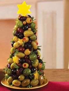 Perfect addition for appetizers for your Christmas gathering or party! Looking for an olive appetizer recipe to serve at your next get-together? Showcase your crafty culinary side with this no-cook olive appetizer. Christmas Buffet, Christmas Party Food, Xmas Food, Christmas Appetizers, Christmas Cooking, Christmas Dinners, Christmas Apps, Christmas Mix, Christmas Lights