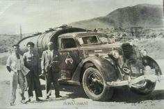 Jilosa,Malaga.Distribuidor campsa. Camion Diamond T 1937. Conductor Juan Garcia (junto al camion)