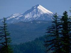 Mt Mcloughlin - my first volcano!