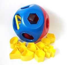 retro toys | Vintage Tupperware Shape O Sorter Ball Toy by RetroClassics