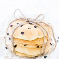Mandelhörnchen - Rezept für den Kuchenklassiker! Cheese Danish, Danishes, Anti Inflammatory Diet, Cupcakes, World Recipes, International Recipes, Bakery, Food Porn, Food And Drink