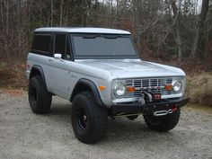 "NICK'S TRIX ::: Early Bronco Restorations - Custom Fabrication - ""Big Easy"" Project"