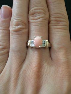 Mira este artículo en mi tienda de Etsy: https://www.etsy.com/listing/210760092/pink-opal-14k-solid-gold-ringunico