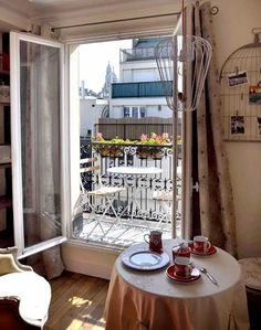 Petite Paris Bed and Breakfast/ Paris Apartments and Accommodation Paris Apartment Interiors, Chic Apartment Decor, French Apartment, Apartment View, Small Apartments, Small Spaces, Living Spaces, Home Decor, Organization Ideas