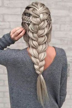Riding the braid wave? With these step-by-step instructions, you'll nail down 15 gorgeous braid styles in no time Riding the braid wave? With these step-by-step instructions, you'll nail down 15 gorgeous braid styles in no time Cute Hairstyles, Braided Hairstyles, Wedding Hairstyles, Hairstyles 2018, Layered Hairstyles, Updos Hairstyle, Hairstyle Ideas, Evening Hairstyles, Romantic Hairstyles