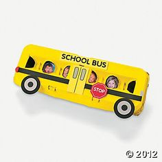 school bus egg carton craft, great way for child to learn classmates' names School Bus Cake, School Bus Crafts, School Projects, Toy Craft, Craft Kits, Craft Ideas, Craft Activities, Preschool Crafts, Toddler Crafts
