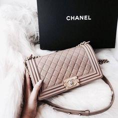 9b01362c77b  vickyygu Fendi, Gucci, Prada, Fashion Bags, 90s Fashion, Fashion  Accessories