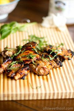 Ingredients:    Zest of 1 lemon  1/4 Cup Lemon Juice  1/3 Cup Honey  1/4-1/3 Cup Fresh Basil, Chiffonade  6 Boneless Chicken Thighs    Directions:    1. Whisk together the honey, zest and lemon juice. Reserve a few tablespoons in a separate bowl.