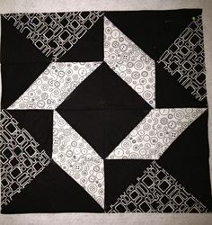 The color combo makes this block look difficult, but just flying geese and half triangles.