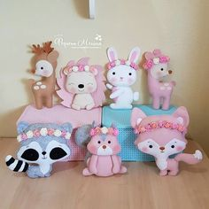 Top 5 - Artesanato com Reciclagem - Artesanato Passo a Passo Felt Diy, Felt Crafts, Fabric Crafts, Diy And Crafts, Felt Animal Patterns, Baby Mobile, Baby Sewing Projects, Sewing Toys, Felt Dolls