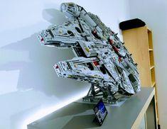 Efferman S Vertical Stand Fur Den Lego Star Wars Ucs Millennium Falcon 75192 Im Leser Review Star Wars Zimmer Lego Display Lego Vitrine