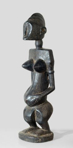 A Bamana Do´Kamissa sculpture - a maternity of the Do society collected in the village Bouadie, 20 km from Tamani, from the other side of the river, about 50 km from Segou, source: http://www.tribalartforum.com