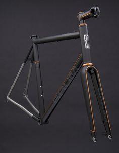 Bicycle Paint Job, Bicycle Painting, Cycling Art, Cycling Bikes, Old Bikes, Bike Art, Bike Frame, Bicycle Design, Vintage Bikes