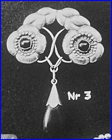 Evald Nielsen. Design no 3, from his first catalogue, containing 30 designs. Skonvirke brooch.
