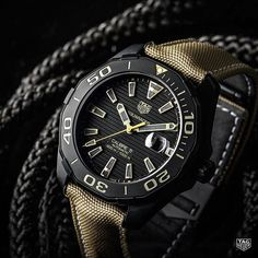 We stimulate the strenuous conditions your dive watch will undergo way before you take that next big adventure. The TAG Heuer Aquaracer Calibre 5 Sand Nylon Strap - ready for the feat. Coming really soon! #DontCrackUnderPressure #reloj #style #watch