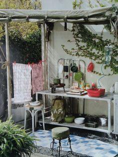 foto vt wonen juli 2008 -buitenkeuken /outdoor kitchen  ( yes, please ! )