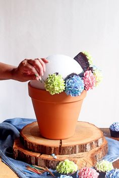 How to Make a Simple Cupcake Bouquet for Your Next Party | The Bearfoot Baker