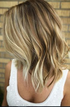 Layered balayage bob hairstyle for women – easy daily medium length haircut