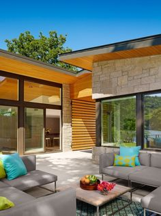 Architect Stuart Sampley has designed the Ski Shores #Lakehouse in Austin, Texas.