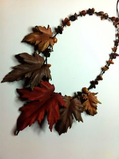 Gifts - Collar – gargantilla, piel y piedras Leather, handmade See related items on Fanatic Leather Store - Leather Store, Leather Art, Leather Gifts, Leather Leaf, Handmade Leather, Leather Jewelry Making, Leather Necklace, Collar Necklace, Jewelry Crafts