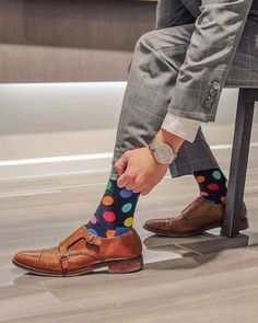 Men's Funky Socks Patyrns is part of Mens socks fashion - For menswear enthusiasts, our collection of men's funky socks are full of colors and patterns that stand out while adding personality to your outfits Funky Socks, Colorful Socks, Fashion Socks, Mens Fashion, Loafers With Socks, Happy Socks, Crazy Outfits, Well Dressed Men, Sock Shoes