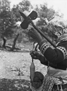 Ελλάδα 1928-35. Φωτογράφος Walter Hege. Greece, Mothers, Lord, Greece Country