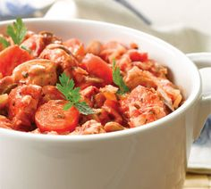 Simple Chicken Casserole serves four at 6 Weight Watcher's Points Plus Points per serving by milagros Skinny Recipes, Ww Recipes, Healthy Recipes, Healthy Foods, Chicken Recipes, Healthy Chicken Casserole, Chicken Cassarole, Weigth Watchers, Weight Watchers Meals