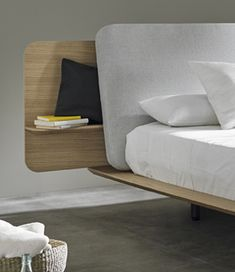 Kauffman bed by Nadadora - Mobenia Home || #headboard #oak #upholstery #bedroom #bed #cama #dormitorio #roble