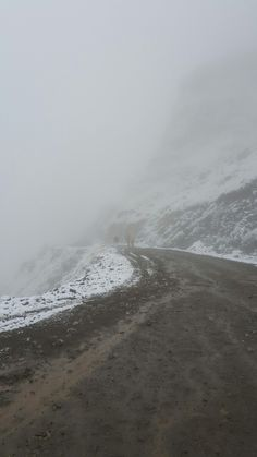 Flat packing in snow on Sani pass
