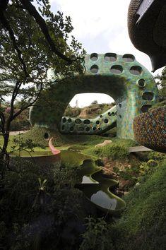Javier Senosiain, Mexian architect ~ Nido de Quetzalcoatl
