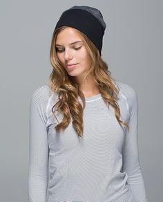 We designed this reversible toque to keep us cozy, whether we're pounding the pavement or a vanilla latte. We can roll up the ribbed band for a snug fit or wear it slouchy to hide post-sweat hair. Now we can just run with it. Run With Me, Just Run, Me Toque, Winter Running, Headbands For Women, Athletic Outfits, Running Women, Snug Fit, Lululemon Athletica