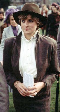 1981 princess diana attends racesk uk
