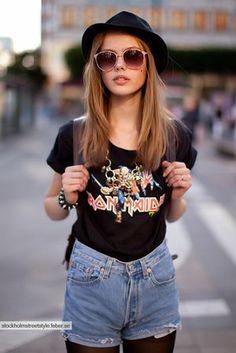 かっこいい☆ロックTシャツを着こなす美女たち♡