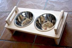 Comederos para perros y gatos, personalizados con el nombre de tu mascota.