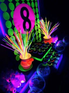 Bash Party Styling *'s Birthday / Neon / Glow in the Dark - Photo Gallery at Catch My Party Disco Party, Glow Party, Glow In Dark Party, Neon Birthday, 13th Birthday Parties, Birthday Party Themes, 11th Birthday, Birthday Ideas, Party Deco