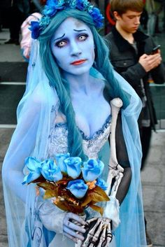 A beautiful Corpse Bride cosplay with really innovative bone arm solution. I love that she didn't go for cartoon-y overdrawn eye make up and instead went for more traditional methods to make her eyes look larger (but still natural). Long story short: Looks Awesome! (If you know who this can be credited to, please comment and let me know!)