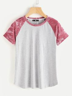SheIn offers Contrast Velvet Raglan Sleeve Heathered Tee & more to fit your fashionable needs. Cool Outfits, Casual Outfits, Fashion Outfits, Belted Shirt Dress, Personalized T Shirts, Cute Shirts, Cute Tops, Printed Shirts, Shirt Designs