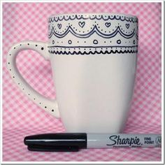 Sharpie + mug. There is debate on whether the sharpie stays on or washes away. Oil based sharpies recommended and then bake at 450 for 30 mins. Sharpie Art Projects, Sharpie Crafts, Diy Projects To Try, Crafts To Do, Project Ideas, Sharpie Mug Designs, Tape Crafts, Arte Sharpie, Sharpie Pens