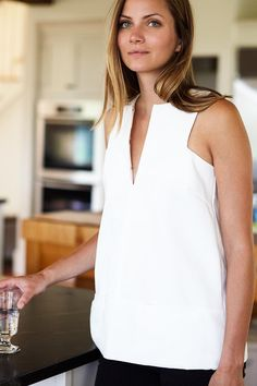 Emerson Fry A-Line Mod Top in White on Garmentory Sewing Clothes, Diy Clothes, Mode Top, White Shirts, Mode Inspiration, Summer Tops, Dressmaking, White Tops, Minimalist Fashion