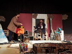 Prof. Dr. Necmettin Erbakan Kültür Merkezi'nde sahnelenen 'Kayık Dünya' adlı tiyatro oyunu sanatseverlerden büyük alkış aldı.