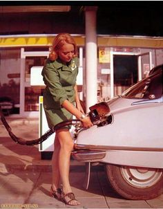 Fueling up the Citroen DS