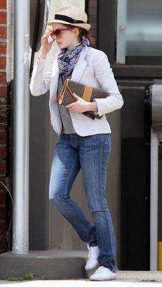 Anne Hathaway's Street Style