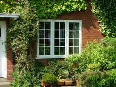 Casement windows close-up 3. http://www.finesse-windows.co.uk/casement_windows.php