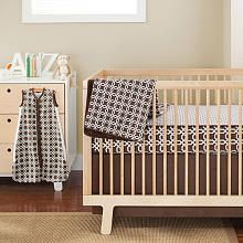 Complete Sheet 4 Piece Bumper-Free Crib Bedding Set - Chocolate Lattice